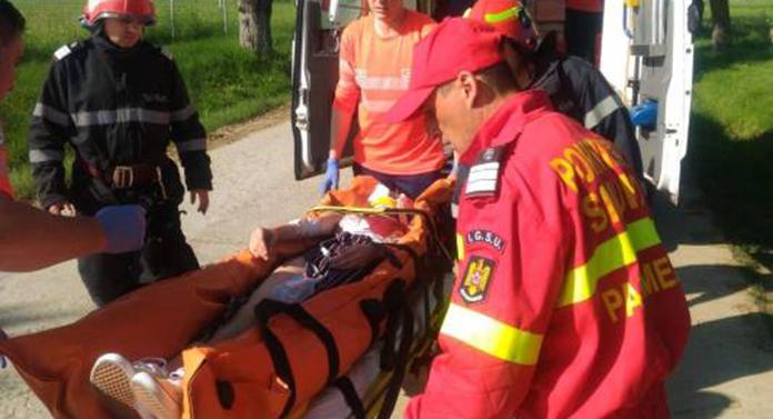 Accident teribil astăzi. Tânără de 18 ani, luată cu elicopterul SMURD.