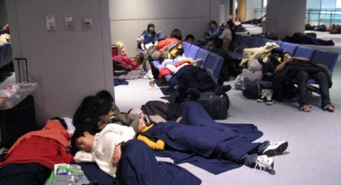 Peste 80 de copii români, abandonați pe aeroporturile din Milano, Tokyo și Doha