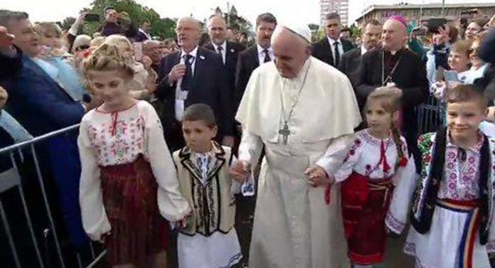 """Mesaj transmis ieșenilor de Papa Francisc: """"Mulțumesc pentru primirea plină de afecţiune"""""""