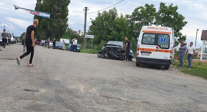 Accident cu 7 victime în apropiere de Iași