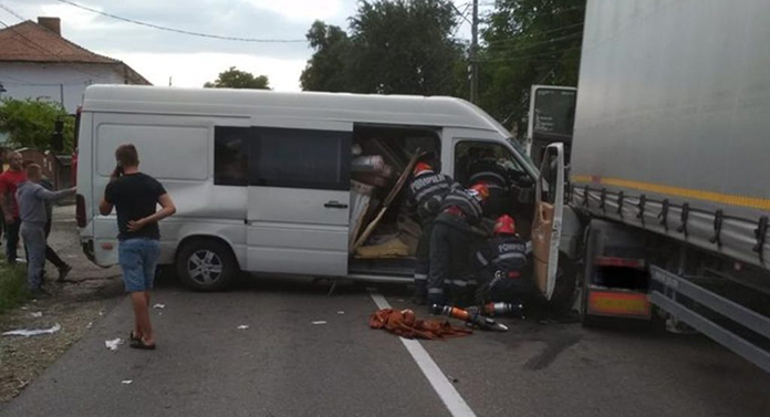 5 victime, dintre care o fetiță de 15 ani, în urma accidentului de aseară
