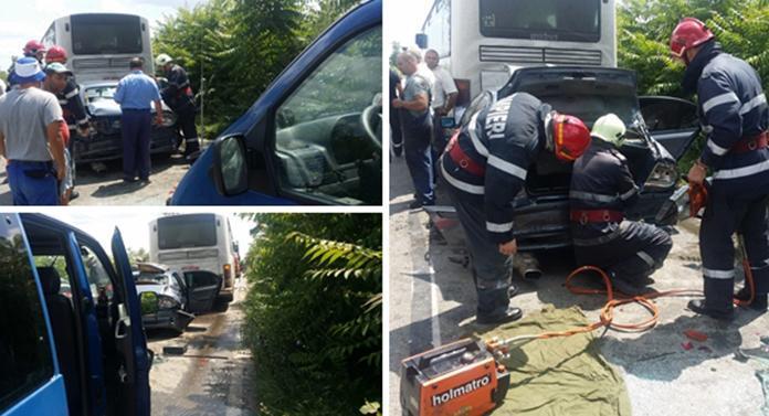 Impact nimicitor între un BMW, un autocar și un microbuz! În cele 3 mașini erau 40 de persoane