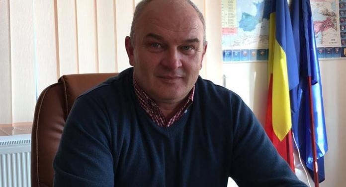 Un primar din județul Suceava și-a pierdut mandatul pentru o situație de incompatibilitate