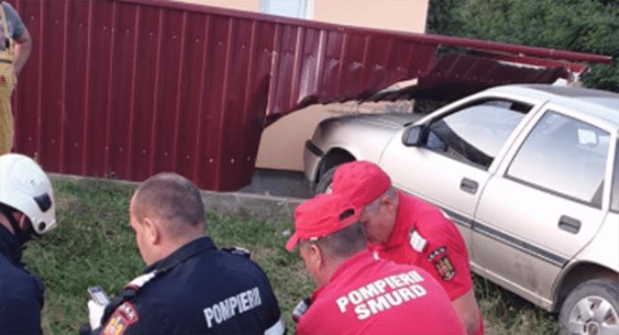 Sucevean, mort după ce a intrat cu mașina într-un gard