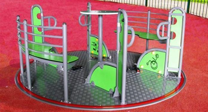 Parc de joacă pentru copiii cu dizabilități
