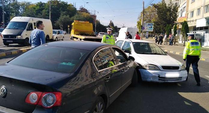 Incredibil. S-a întâmplat în mijlocul orașului: accident produs de o mașină fără șofer
