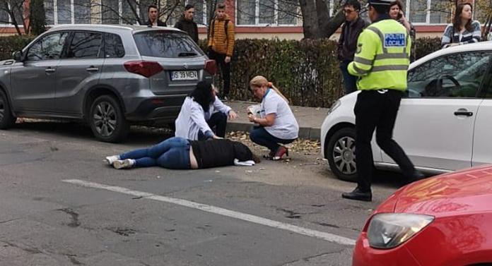 TRAGEDIE în această dimineață, la Iași. Adolescentă lovită de o mașină în fața liceului