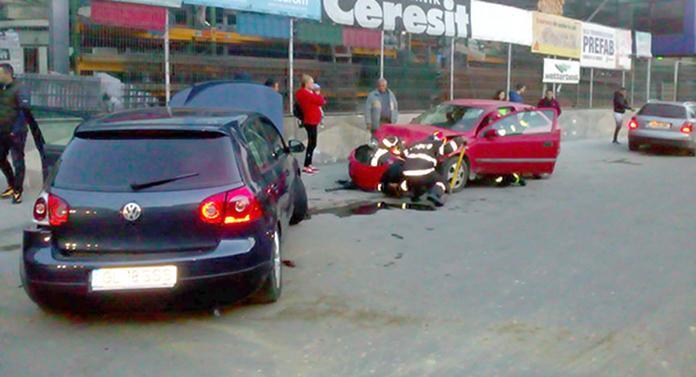 Un șofer mort de beat a fãcut prăpăd în trafic, după care a fugit de la locul accidentului