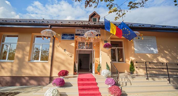 Școală nouă pentru copiii din Costești