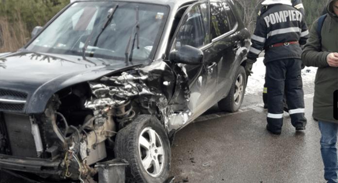 Accident cumplit astăzi, la Suceava. Se intervine cu două echipaje SMURD și două ambulanțe
