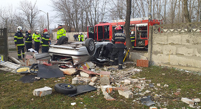 Șoc și groază la Bârlad: 2 tineri au murit într-un accident cumplit