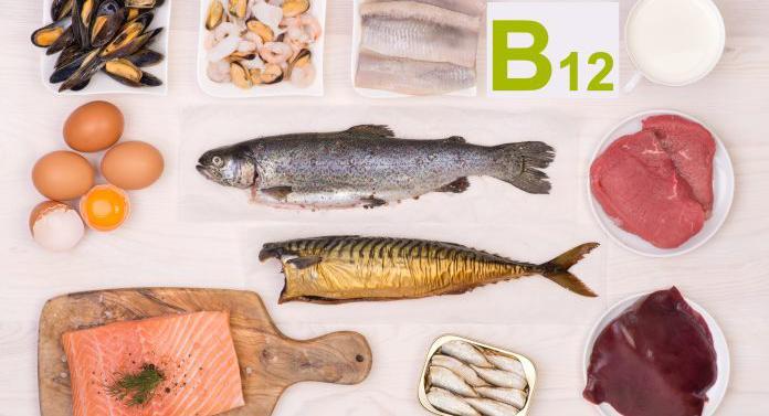 Vitamina B12 este esențială pentru sănătate. Pielea palidă, afecțiunile gurii, o limbă roșie și umflată – acestea sunt primele semne ale deficienței de B12