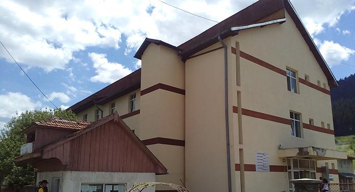 Spitalul din Câmpulung Moldovenesc, închis total, iar spitalul din Fălticeni, închis parţial